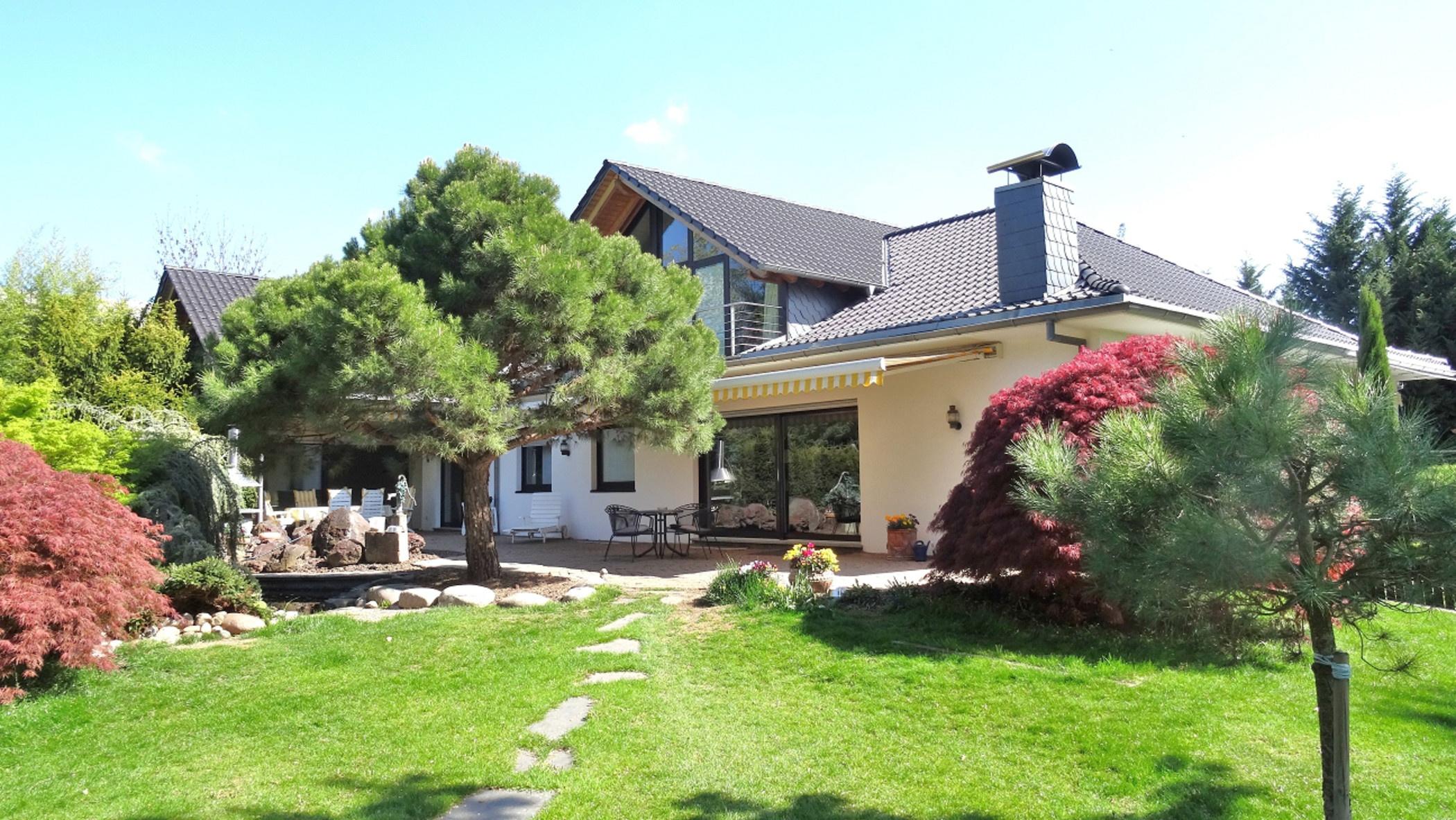 Lifestyle-Immobilie: Villa mit High-End-Ausstattung und paradiesischem Parkgrundstück!, 67549 Worms, Einfamilienhaus