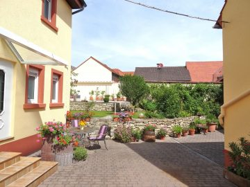 Reserviert!!! Urlaub fürs ganze Jahr! EFH mit aufbaufähiger Scheune und tollem Outdoor… 67591 Mörstadt, Einfamilienhaus
