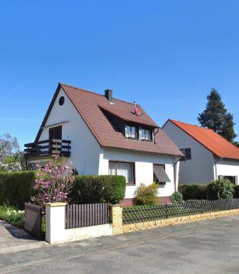 Es kann noch schöner werden: Solides EFH mit großem Garten – Garage – Karl-Marx-Siedlung! 67547 Worms, Einfamilienhaus