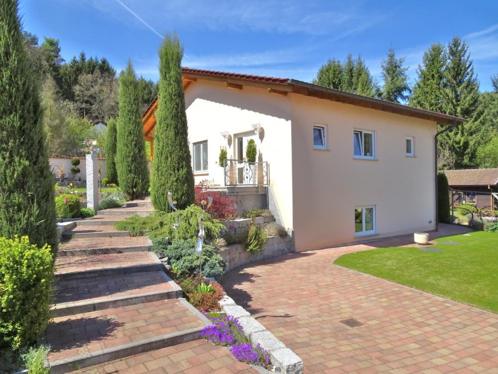 SAVE THE PLACE! Fast neuwertiges EFH mit vielen Extras in idyllischer Waldrandlage! Altleiningen!, 67317 Altleiningen, Einfamilienhaus