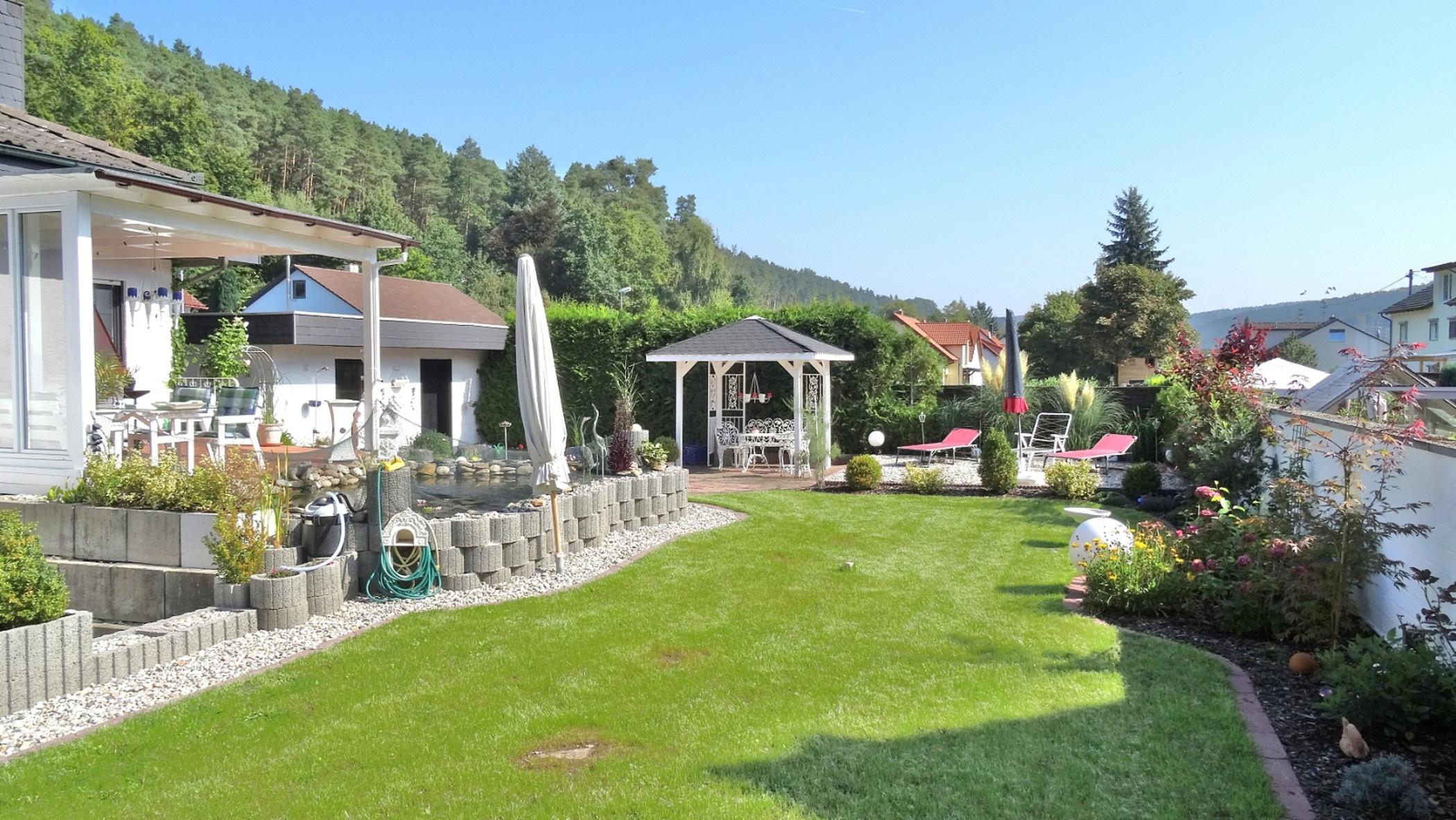 Der Natur so nah! Attraktiver Bungalow in idyllischer Waldrandlage von Altleinigen!, 67317 Altleiningen, Einfamilienhaus