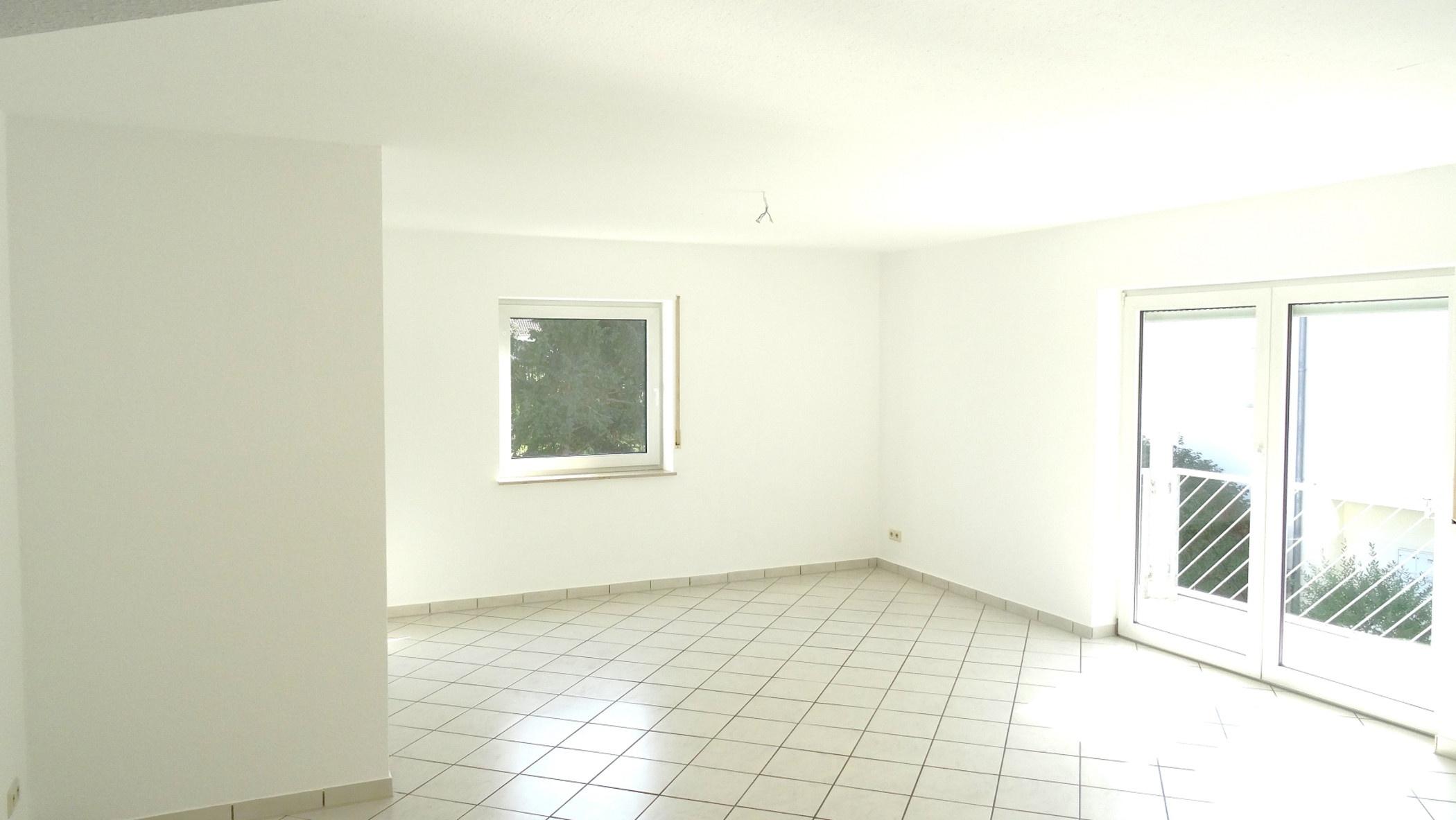 Ein attraktives Gesamtpaket: 3 ZIMMER. 82 m². BALKON. GARAGE. BEZUGSFREI., 67550 Worms, Etagenwohnung