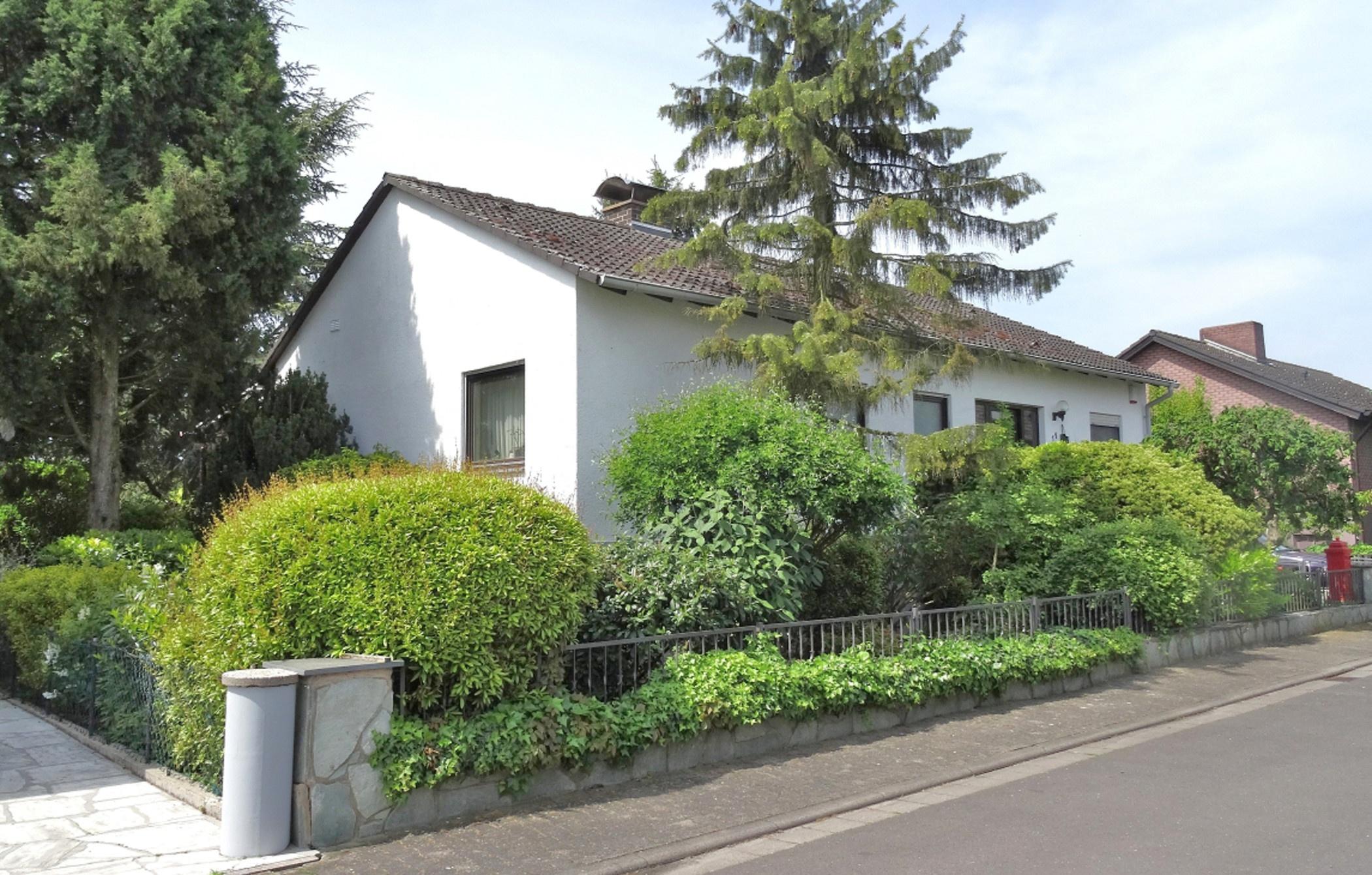 Lebenselixier Natur: Gepflegter Bungalow mit Urlaubspotenzial in Hohen-Sülzen!, 67591 Hohen Sülzen, Einfamilienhaus