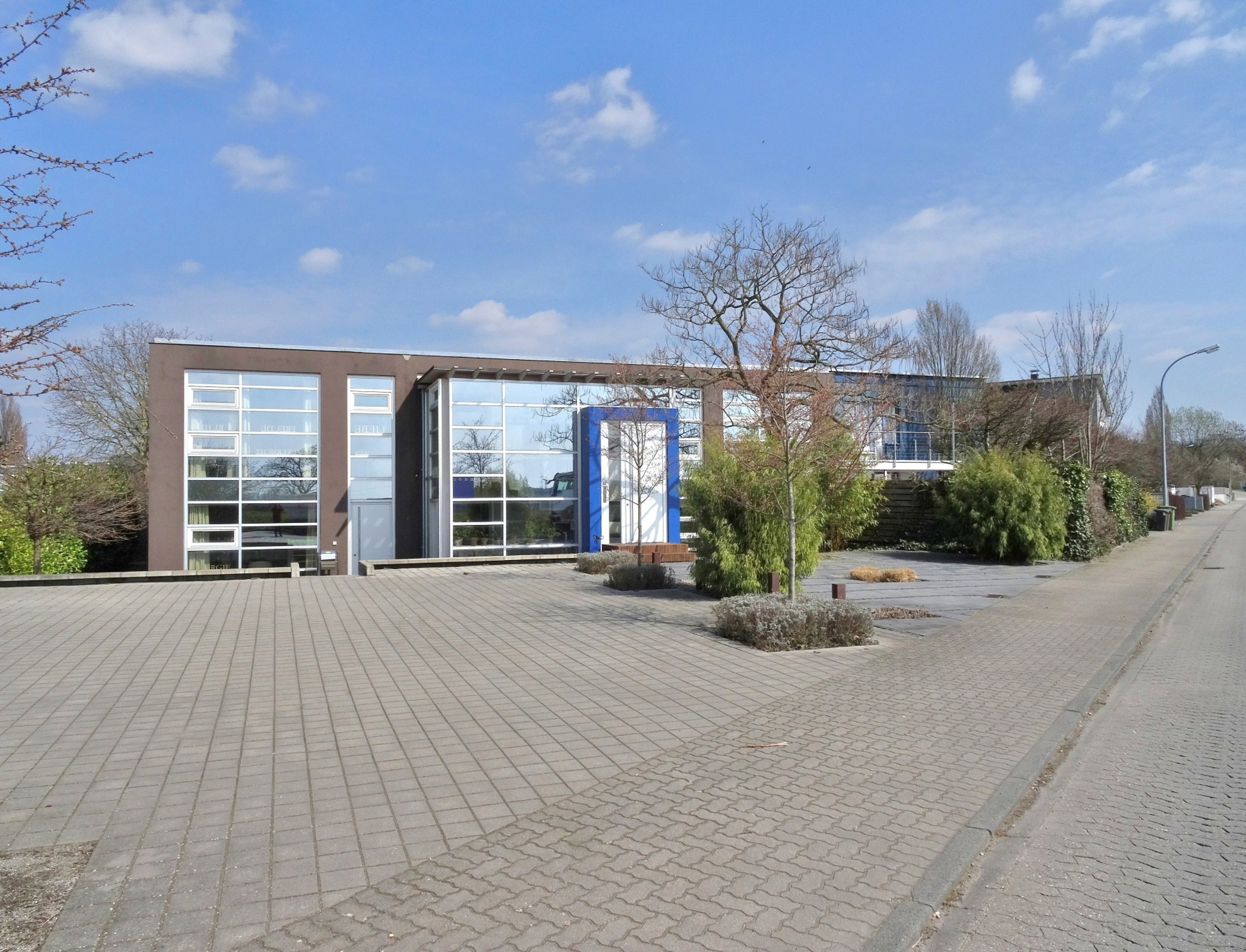 einmalig – vielfältig: flexible Büro-/Wohnfläche + Hallenkomplex in Bensheim! Nur 5 Minuten zur A5!, 64625 Bensheim, Sonstige