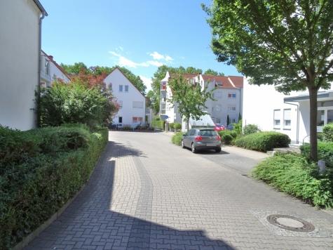 Solide Anlagealternative: Brauereiviertel – vermietete 2-Zimmerwohnung – Balkon – Stellplatz!, 67549 Worms, Erdgeschosswohnung