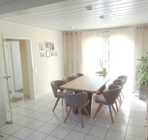 Reserviert!!! Und Platz hat's auch: EFH mit Terrassen, Balkon, Garten, Doppelgarage und 170 m² Wfl.!, 67591 Offstein, Einfamilienhaus