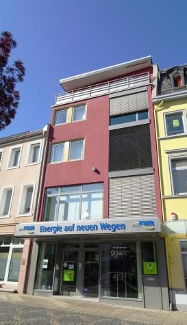 Stets im Blick: Gewerbeimmobilie in Bestlage mit Schaufensterfronten zu Obermarkt und Lutherplatz!, 67547 Worms, Haus