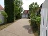 Ein bisschen Platz muss sein…! EFH mit ca. 220 m² Wfl., 2 Garagen, ca. 1100 m² Südgrundstück! - Zufahrt