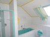 Ein bisschen Platz muss sein…! EFH mit ca. 220 m² Wfl., 2 Garagen, ca. 1100 m² Südgrundstück! - Badezimmer 1, OG