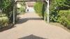 Ein bisschen Platz muss sein…! EFH mit ca. 220 m² Wfl., 2 Garagen, ca. 1100 m² Südgrundstück! - Zufahrt mit PKW-Stellplatz