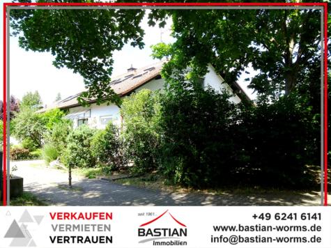 Ruhe & Raum: Sonnige ETW – DG – 130 m² – Balkon – Garage – grüne Lage – Hochheim!, 67549 Worms / Hochheim, Etagenwohnung